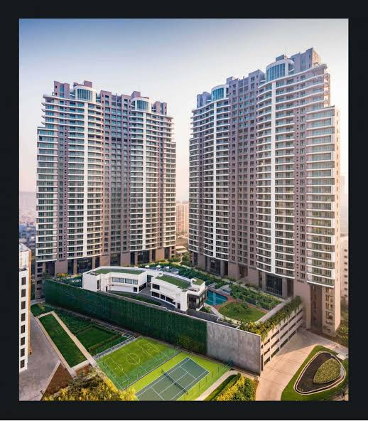 4 BHK For Sale the Iconic ultra Luxury Home of your dreams – Windsor Grande Lokhanndwala